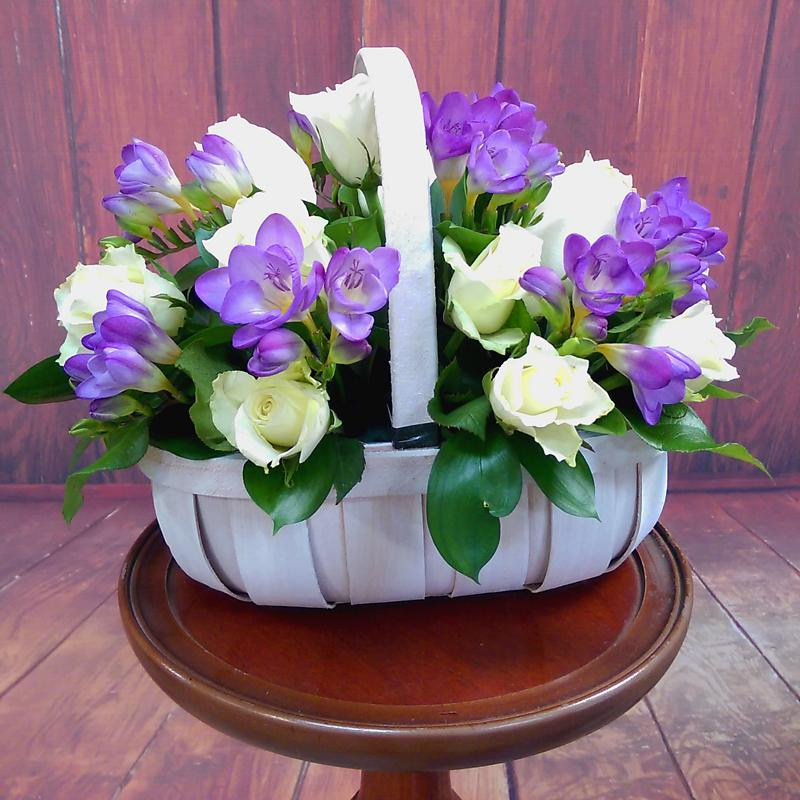 Amethyst Flower Basket Lifestyle