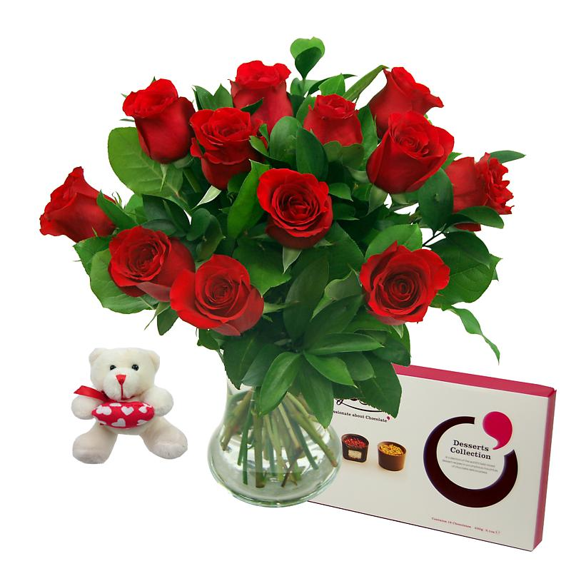 12 Red Roses True Romance Gift Set half price special offer on subscriptions.