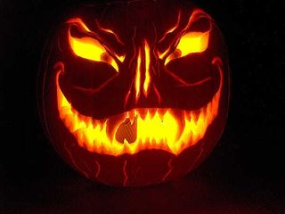 Evil_pumpkin_carving-13845