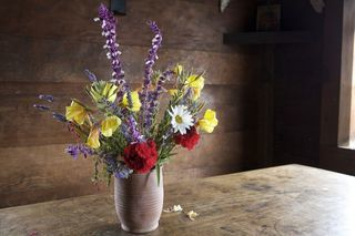 Top Tips for Tuesday: DIY Flower Arrangements