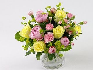 Win a FREE 'Summer Splash' bouquet on our Twitter comp!