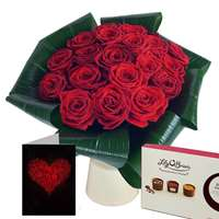 Love 20 Red Roses Gift Set